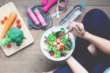 prato com alimentação saudável.
